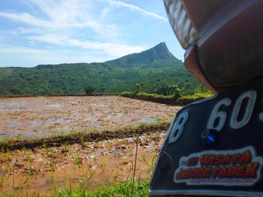 Wisata Bogor Jabodetabek Jawa Barat Gunung Batu 01 Danau Dora