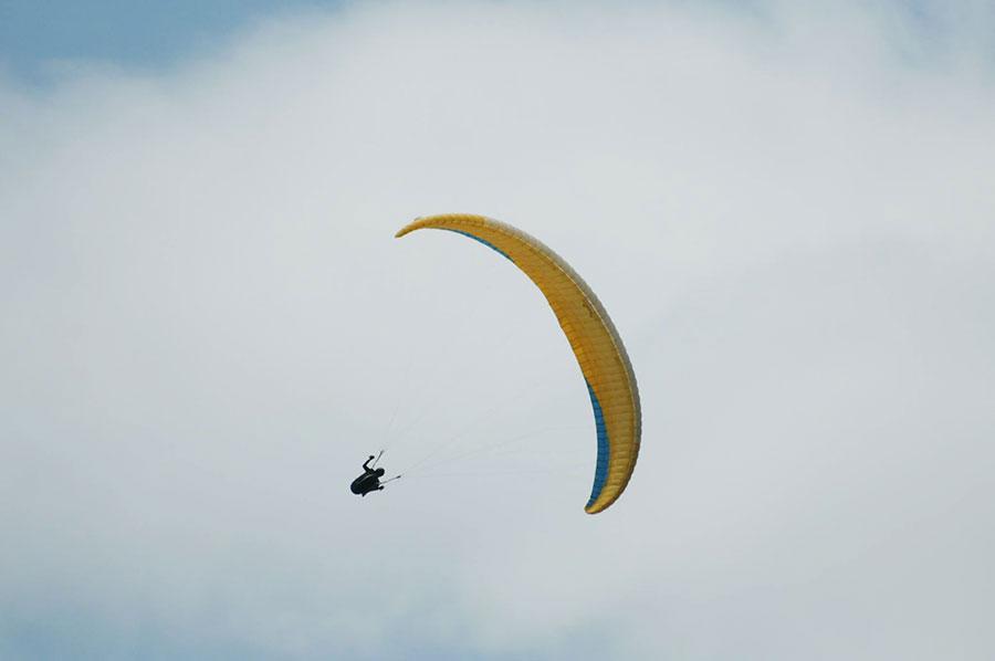 Extremeina Event Juara Dunia Acro Paralayang Melatih Pilot Indonesia News