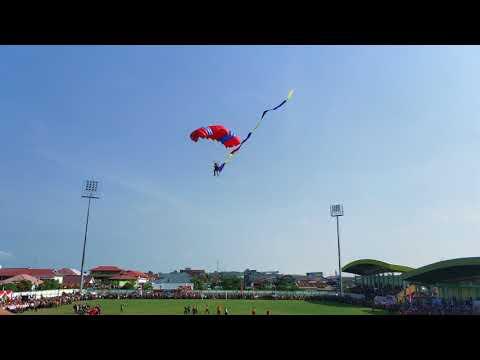 Kuala Tung Kal Atraksi Terjun Payung Tungkal Indonesia Fly Paragliding