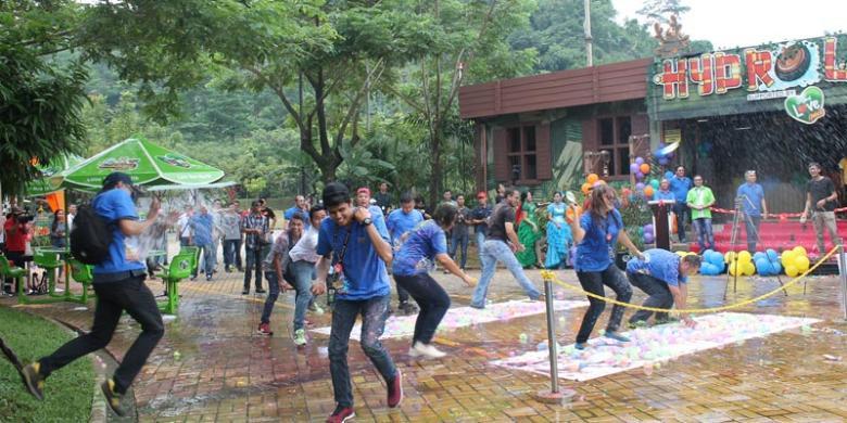 Hydrolift Wahana Jungleland Sentul Kompas Adventure Theme Park Kab Bogor
