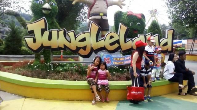 Jungleland Adventure Theme Park Satu Satunya Air Race Indonesia Berstandar