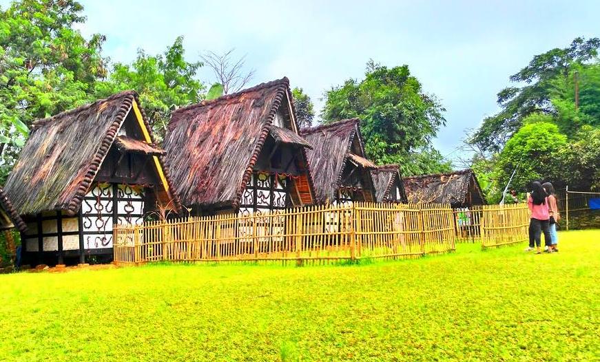 27 Tempat Wisata Bogor Favorit Hits Dikunjungi Sejarah Kampung Budaya