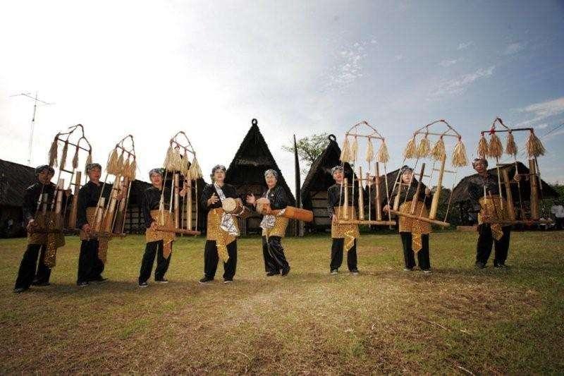Belajar Seni Sunda Tempatnya Marketeers Majalah Kental Adat Siapa Sangka