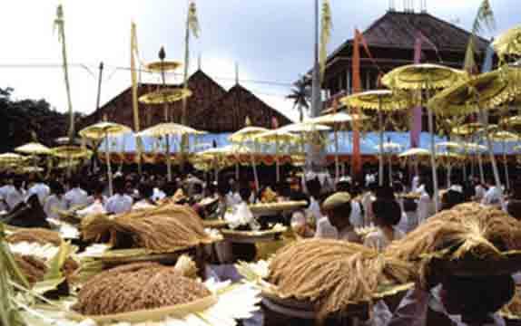 Daftar 23 Tempat Wisata Bogor Sekitarnya Indah Budaya Kampung Sindang