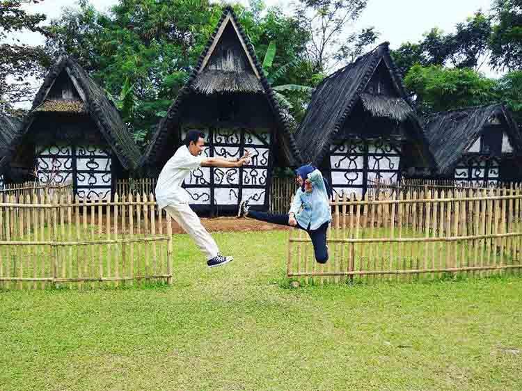 Destinasi Wisata Kampung Budaya Sindangbarang Bogor Sparklepush Kab