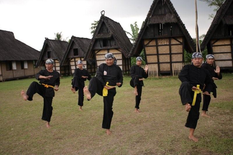 Kampung Budaya Sindang Barang Bogor Tempat Wisata Tinggal Bersama Kokolot