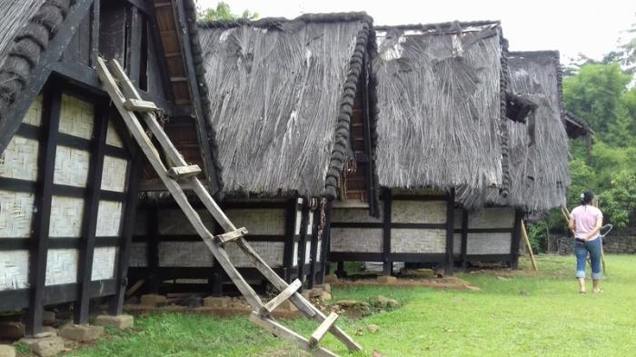 Kampung Budaya Sindang Barang Mengajak Kecil Berwisata Sambil Belajar Sunda