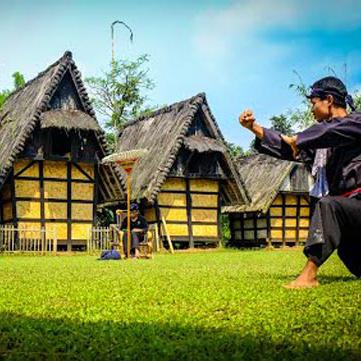 Kampung Budaya Sindang Barang Transbuana Tiket Pesawat Hotel Sindangbarang Kab