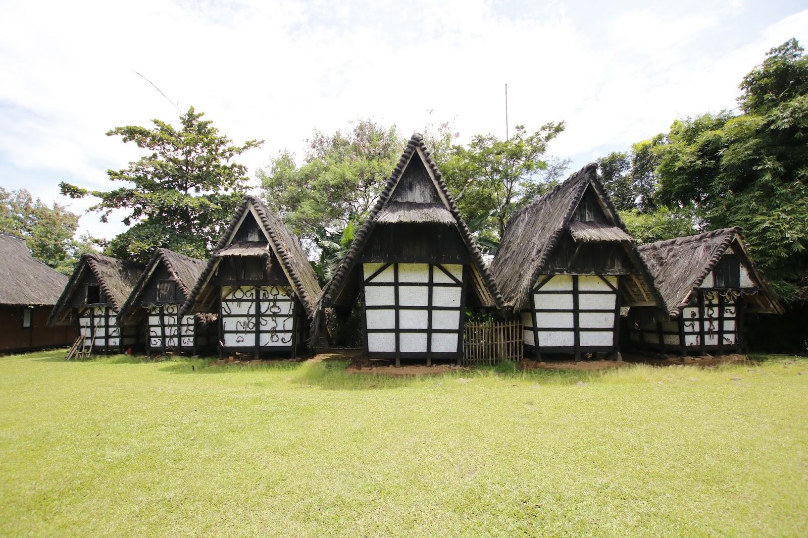 Kampung Sindang Barang Saksi Budaya Sunda Bogor Afkar Aristo Siapa