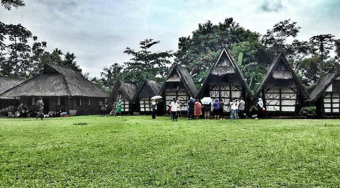 Memelihara Tata Laku Sunda Kampung Budaya Sindang Barang Sindangbarang Kab