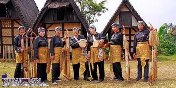 Travelling Kampung Budaya Sindang Barang Bogor Sindangbarang Kab