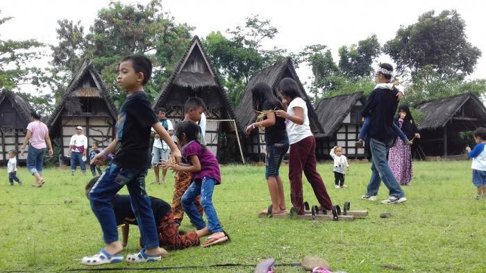 Yuk Belajar Budaya Sunda Sambil Berwisata Kampung Sindang Barang Sindangbarang