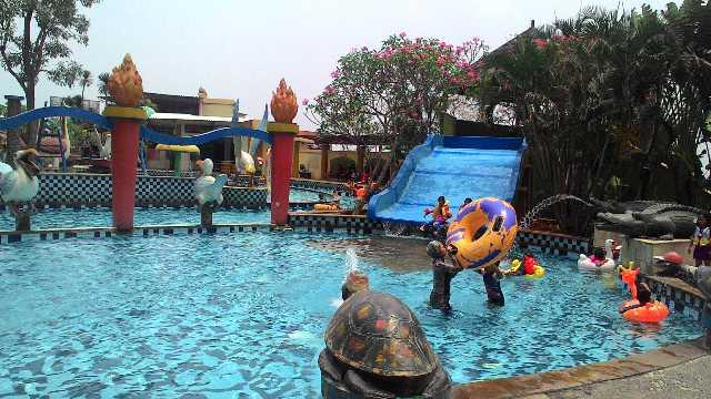 Kolam Renang Marcopolo Serpong Waterpark Berada Lantai 5 Adventure Kab