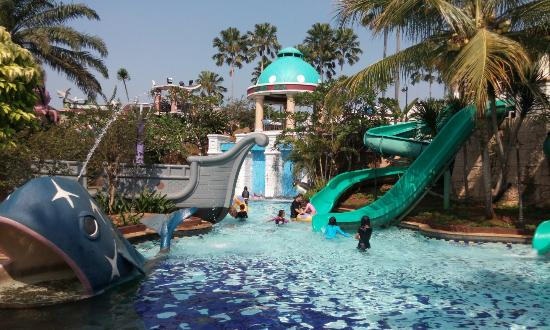 Marcopolo Water Adventure Picture Kab Bogor