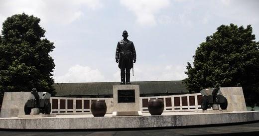 Pesona Keindahan Wisata Museum Pembela Tanah Air Sempur Bogor Jawa
