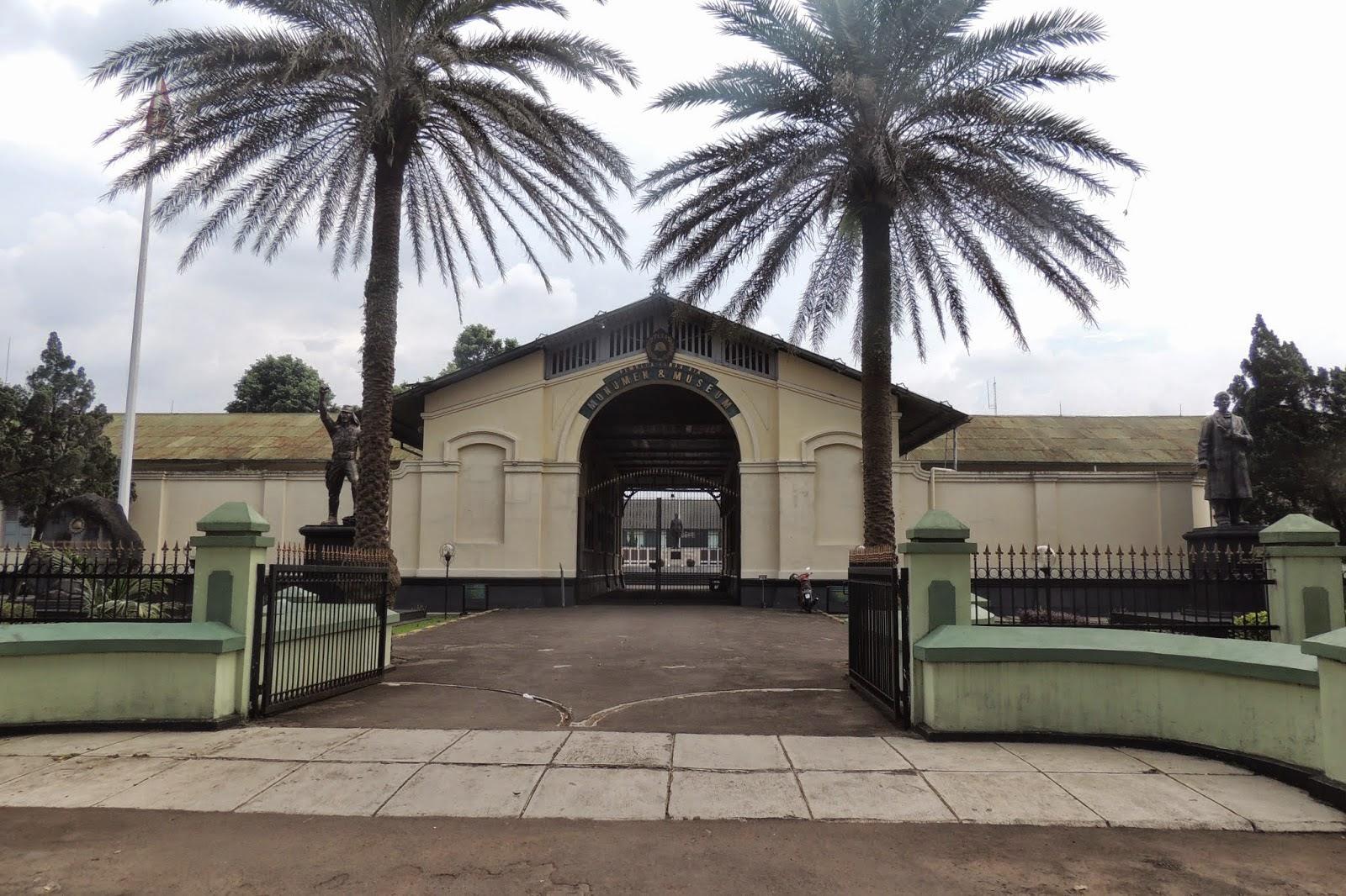 Wisata Sejarah Bogor Jawa Barat Museum Pembela Tanah Air Https