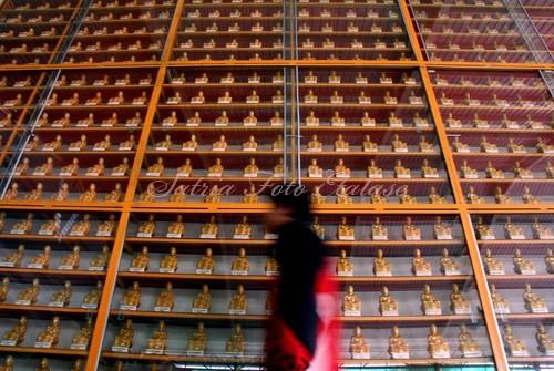 Budha Tertidur Bogor Yulius Satria Wijaya Photoblog Patung Kecil Berjejer