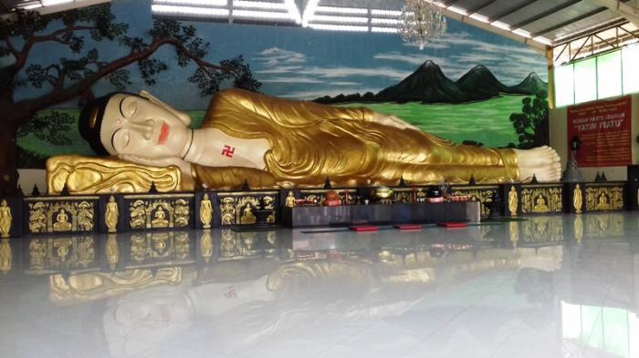Patung Buddha Tidur Bogor Foto Fotonya Tribunnewsbogor Kab