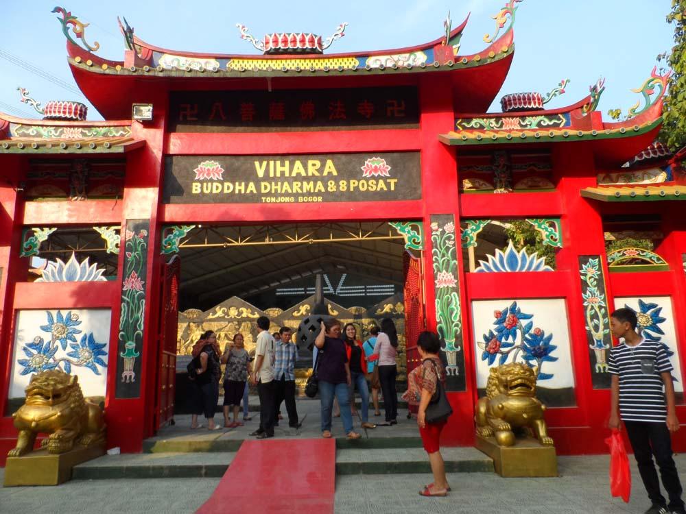 Patung Buddha Tidur Panjang 18 Meter Gong Xi Fa Cay