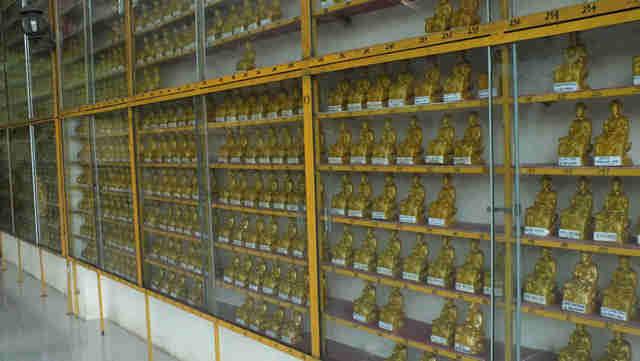 Patung Budha Tidur Vihara 8 Po Sat Lovely Bogor Menuju