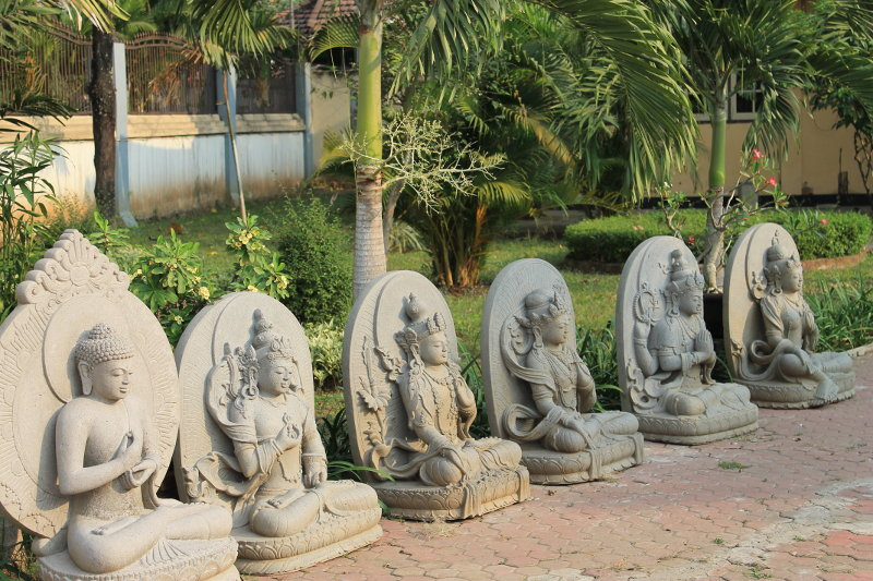 Sleeping Buddha Indonesia Info Wisata Patung Tidur Mojokerto 010 Kab