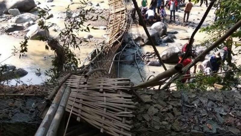 35 Korban Jembatan Putus Penangkaran Rusa Cariu Giri Jaya Bogor