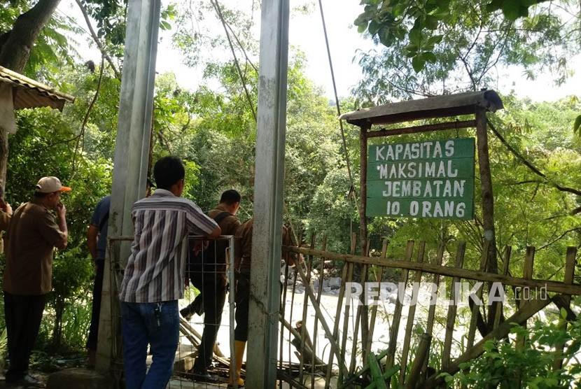 Jembatan Penangkaran Rusa Bogor Ambruk 1 Tewas Republika Online Kondisi