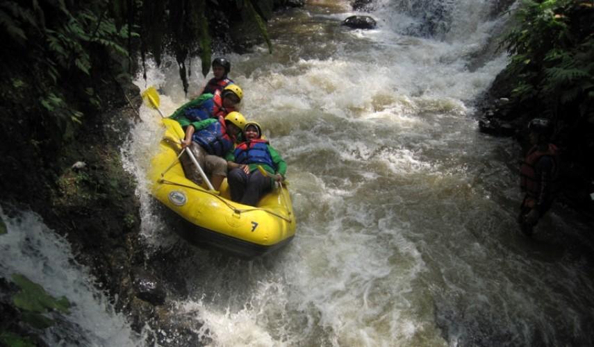 Arung Jeram Bogor Katulampa Cisadane Ciliwung Rafting Sungai Kab