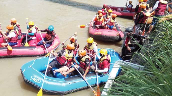 Arung Jeram Seru Menyusuri Sungai Cisadane Radar Bogor Berita Refreshing