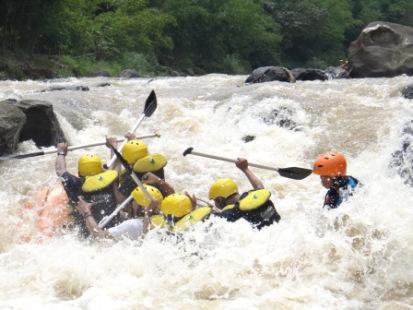 Cisadane Rafting Arung Jeram Sebagai Satu Diantaranya Aktivitas Outdoor Buat