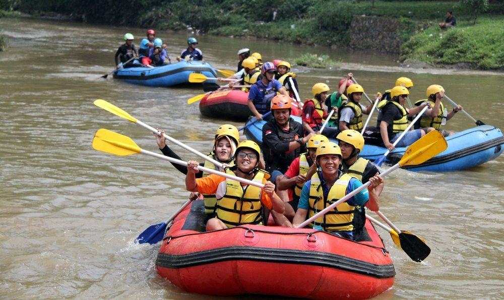 Jalin Kebersamaan Pdam Tirta Pakuan Knpi Kota Bogor Rafting Direktur