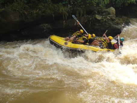 Jelajahadventurehemat Sungai Cisadane Kabupaten Bogor Lebih Tepatnya Terdapat Kecamatan Caringin