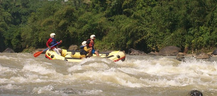 Mengarungi Jeram Sungai Cisadane Duniawawaw Salah Satu Utama Propinsi Banten