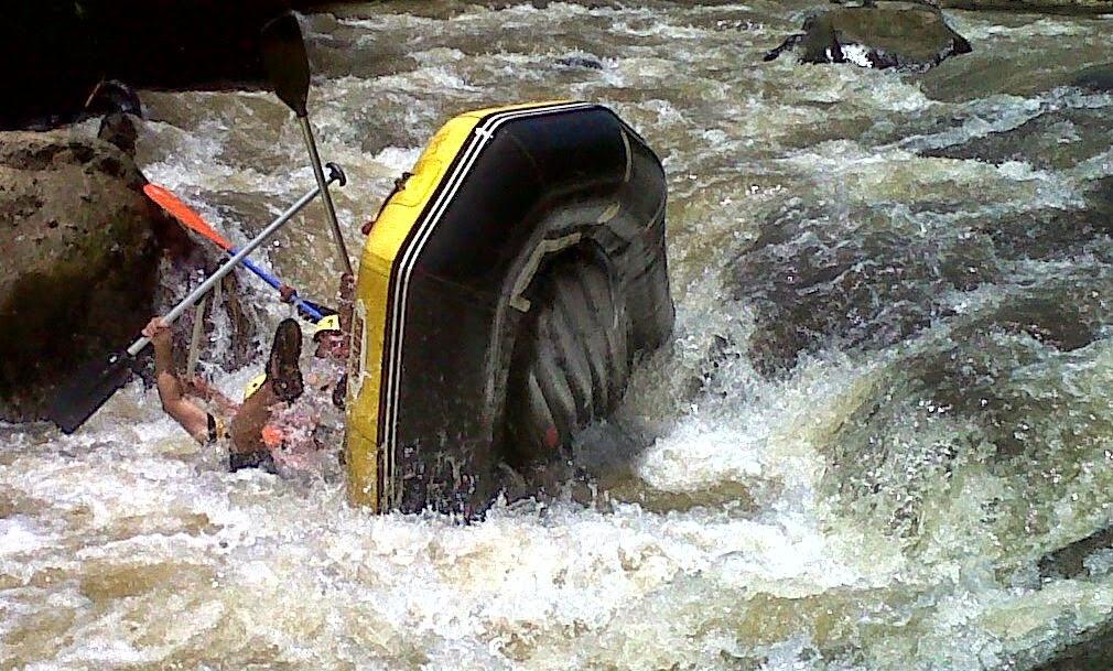 Nikmati Serunya Arung Jeram Sungai Cisadane Bogor Bogorm Rafting Kab