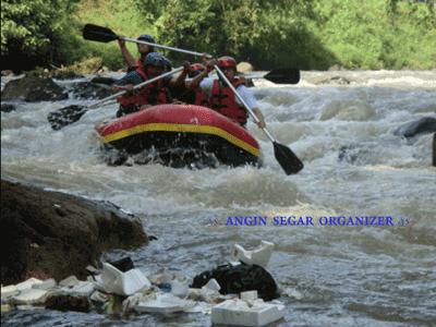 Paket Arung Jeram Sungai Cisadane Bogor Rafting Murah Kab
