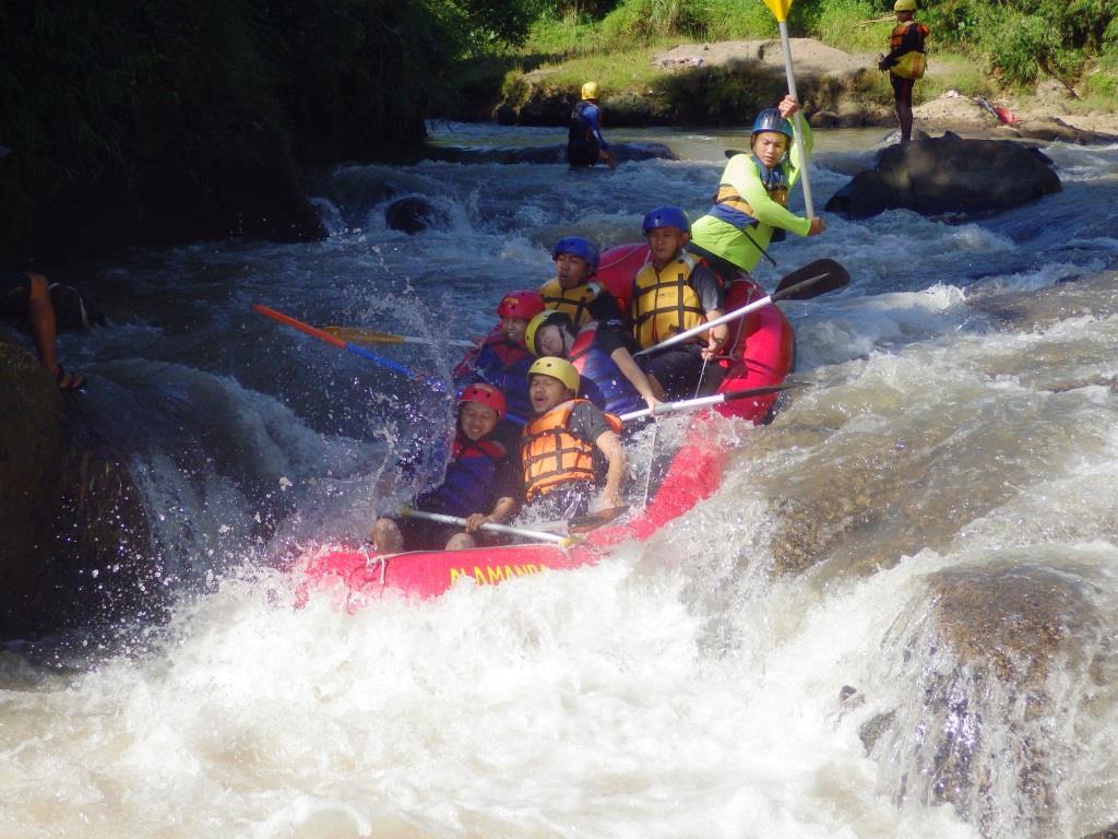 Paket Rafting Arung Jeram Bogor Cisadane Kalibaru Cianten Sungai Kab