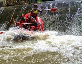 Paket Rafting Bogor Arung Jeram 0856 9140 9060 Sungai Cisadane