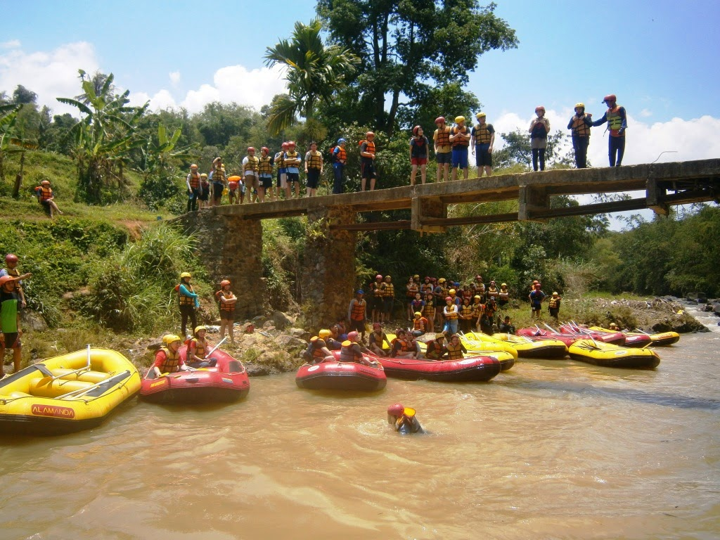 Paket Rafting Bogor Sungai Cisadane Liburan Murah Arung Jeram Kab
