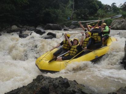 Paket Rafting Cisadane Bogor Jawa Barat Scapetraveling Sungai Termaksud Salah