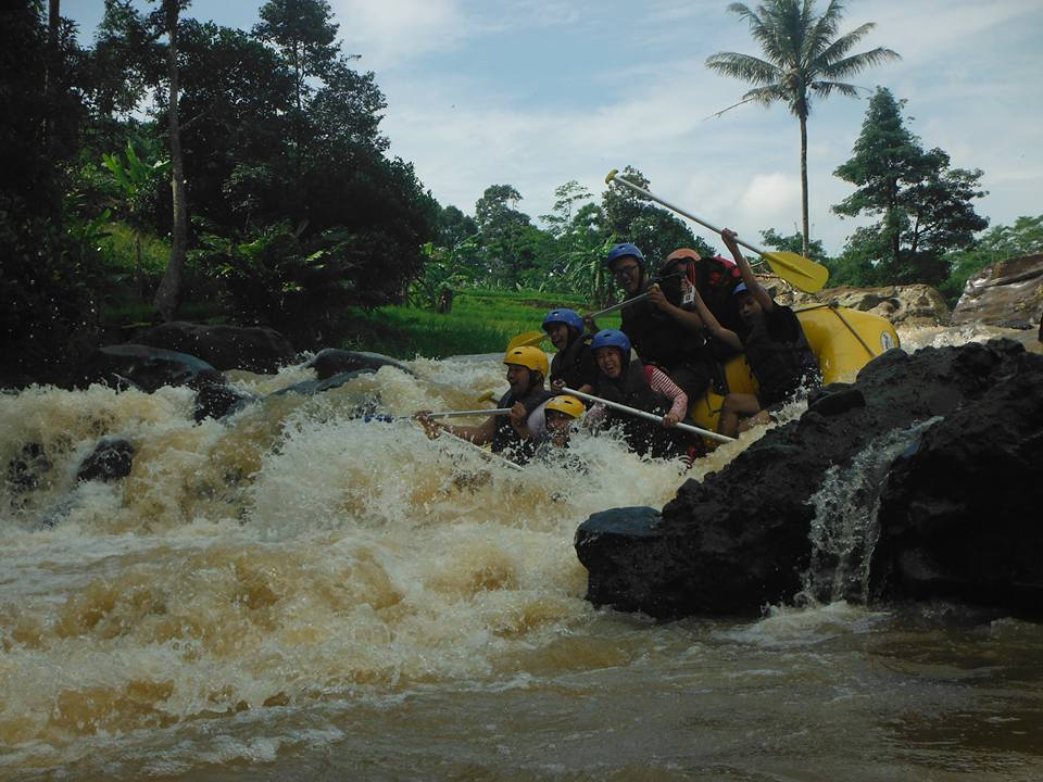 Paket Rafting Cisadane Bogor Sungai Kab