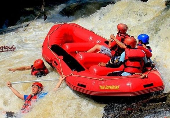 Perahu Terbalik Wisatawan Tenggelam Tewas Arung Jeram Cisadane Bogor Rafting