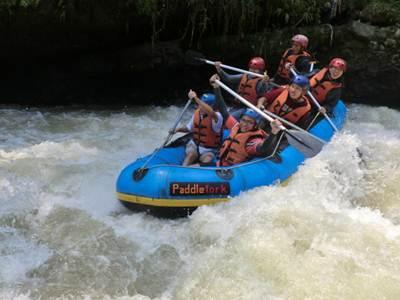Selamat Datang Angin Segar Arung Jeram Sungai Cisadane Caringin Berkesempatan
