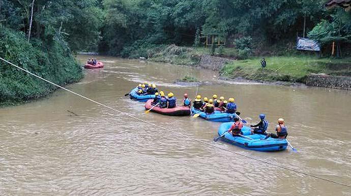 Sisir Sampah Sungai Cisadane Radar Bogor Berita Terpercaya Andika Peduli