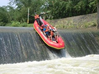Sungai Cisadane Berada Kecamatan Caringin Kabupaten Bogor Memiliki Panjang Rute