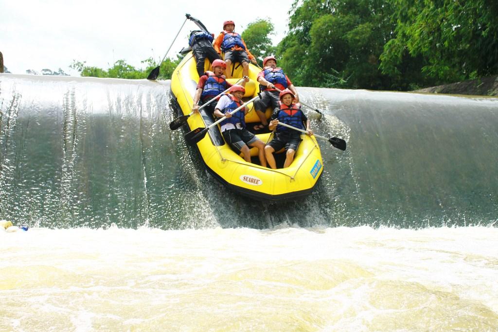 Sungai Cisadane Bogor Rafting Kab