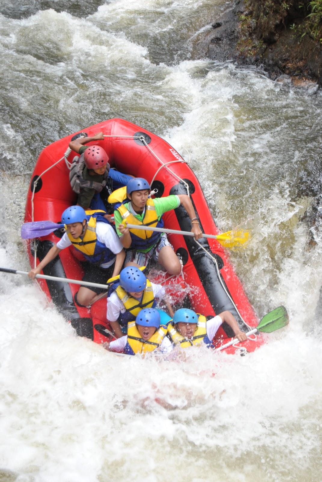 Team Building Rafting Caringin Bogor Trip Hemat Jeram Perawan Sungai
