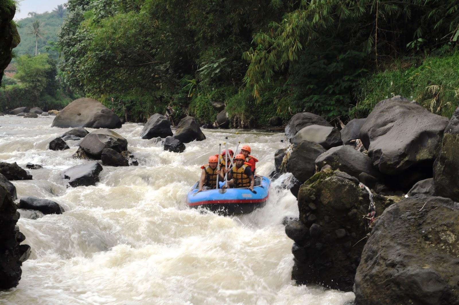 Tempat Rafting Sungai Cisadane Bogor Kab