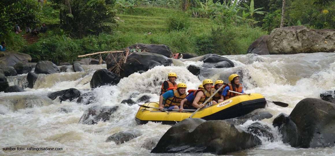 Wisata Arung Jeram Keren Dekat Jakarta Jadiberita Sungai Cisadane Bogor