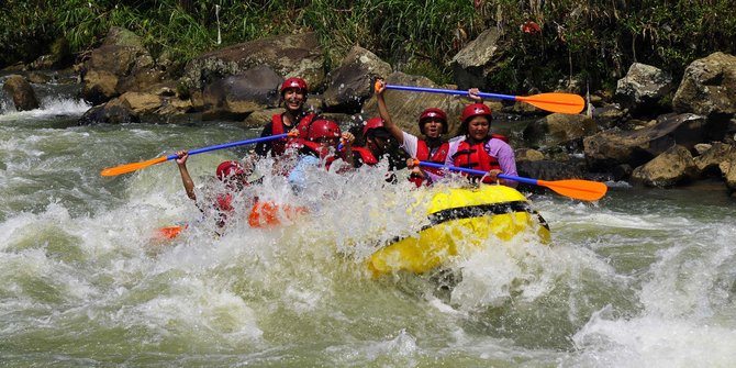 Wisata Rafting Tak Berizin Marak Bogor Merdeka Arung Jeram 2013