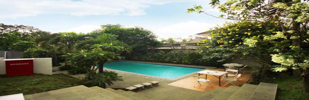 Izi Hotels Comfortingly Affordable Hotel Overview Bogor Rumah Air Nirwana